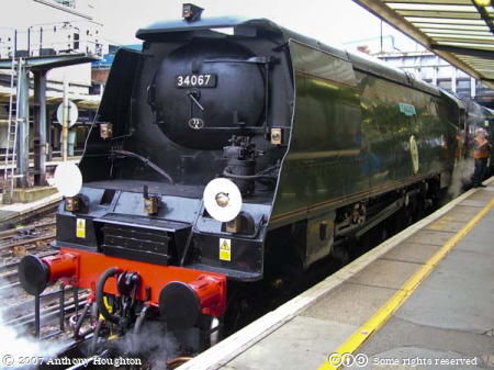 Victoria Station,Railway,Station,Steam Engine,Train,Unrebuilt Battle of Britain,West Country,Tangmere 34067