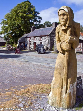 Druid,Molly Gallivans,Molly Gallivan's Visitor Centre,Statue,Sculpture,Carving