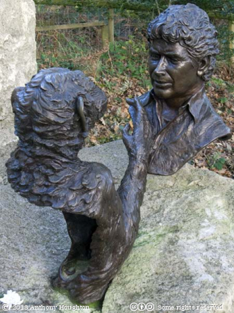 Jim Cronin Memorial,Statue,Sculpture,Monkey World