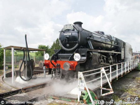 44932,Black Five,Cathedrals Express,Yeovil Railway Centre,Steam Engine,Locomotive,Turntable,Heritage