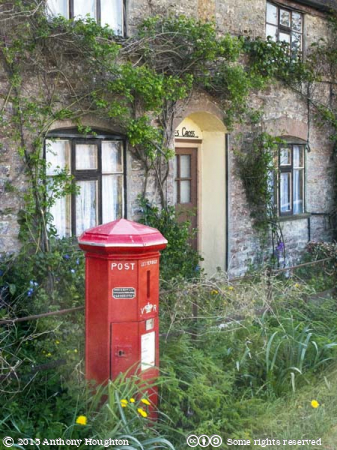 Oldest Postbox,Cottage,Barnes Cross,Holwell