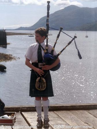 Fort William,Loch Linnhe,Musician,Piper,Bagpipes